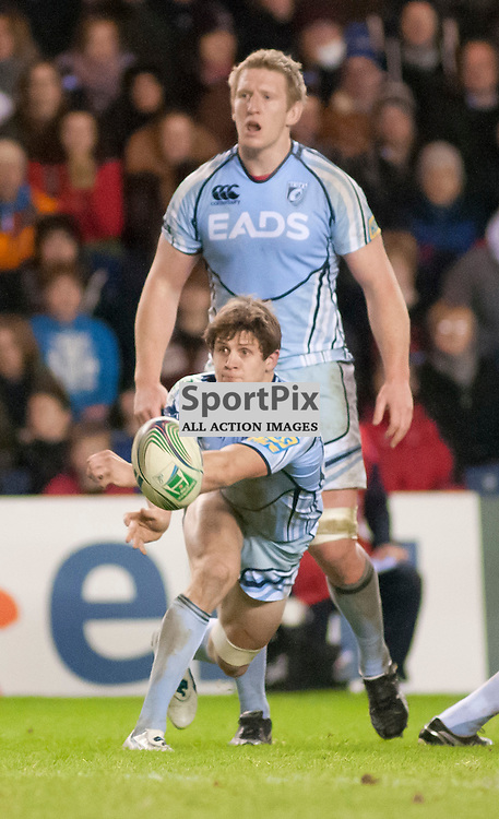 Lloyd Williams passes from the back of a ruck, Edinburgh Rugby v Cardiff Blues, Heineken Cup