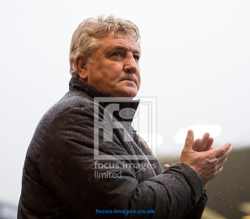 Hull City manager Steve Bruce before the Sky Bet Championship match at Turf Moor, Burnley<br /> Picture by Russell Hart/Focus Images Ltd 07791 688 420<br /> 06/02/2016