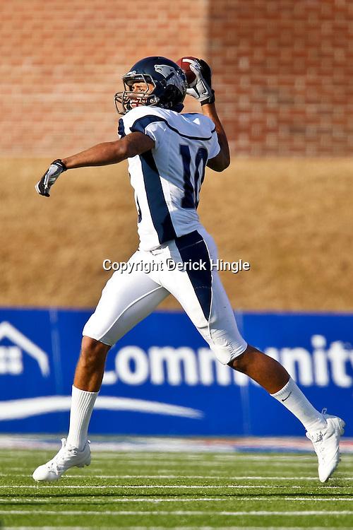 December 4, 2010; Ruston, LA, USA; Nevada Wolf Pack quarterback Colin Kaepernick (10) against the Louisiana Tech Bulldogs during the first half at Joe Aillet Stadium.  Mandatory Credit: Derick E. Hingle