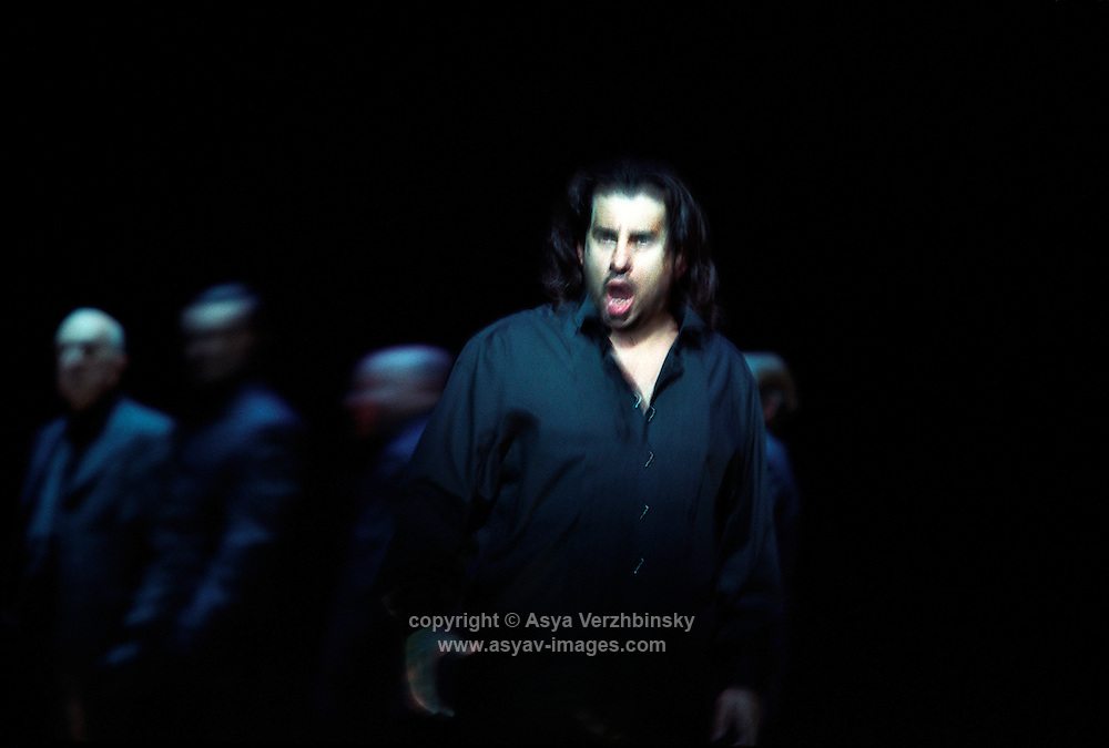 "Royal Opera in Donizetti's ""Lucia di Lammermoor""<br /> <br /> Edgardo: Marcelo Alvarez<br /> <br /> Director: Christof Loy<br /> Designs: Herbert Murauer<br /> Lighting: Rheinhard Traub"