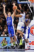 DESCRIZIONE : Brindisi  Lega A 2014-15 Dinamo Banco di Sardegna Sassari - Acqua Vitasnella Cantù<br /> GIOCATORE : Jeff Brooks<br /> CATEGORIA : Tiro Penetrazione Sottomano<br /> SQUADRA : Dinamo Banco di Sardegna Sassari<br /> EVENTO : Lega A 2014-2015<br /> GARA : Dinamo Banco di Sardegna Sassari - Acqua Vitasnella<br /> DATA : 28/02/2015<br /> SPORT : Pallacanestro<br /> AUTORE : Agenzia Ciamillo-Castoria/C.Atzori<br /> Galleria : Lega Basket A 2014-2015<br /> Fotonotizia : Dinamo Banco di Sardegna Sassari - Acqua Vitasnella<br /> Predefinita :