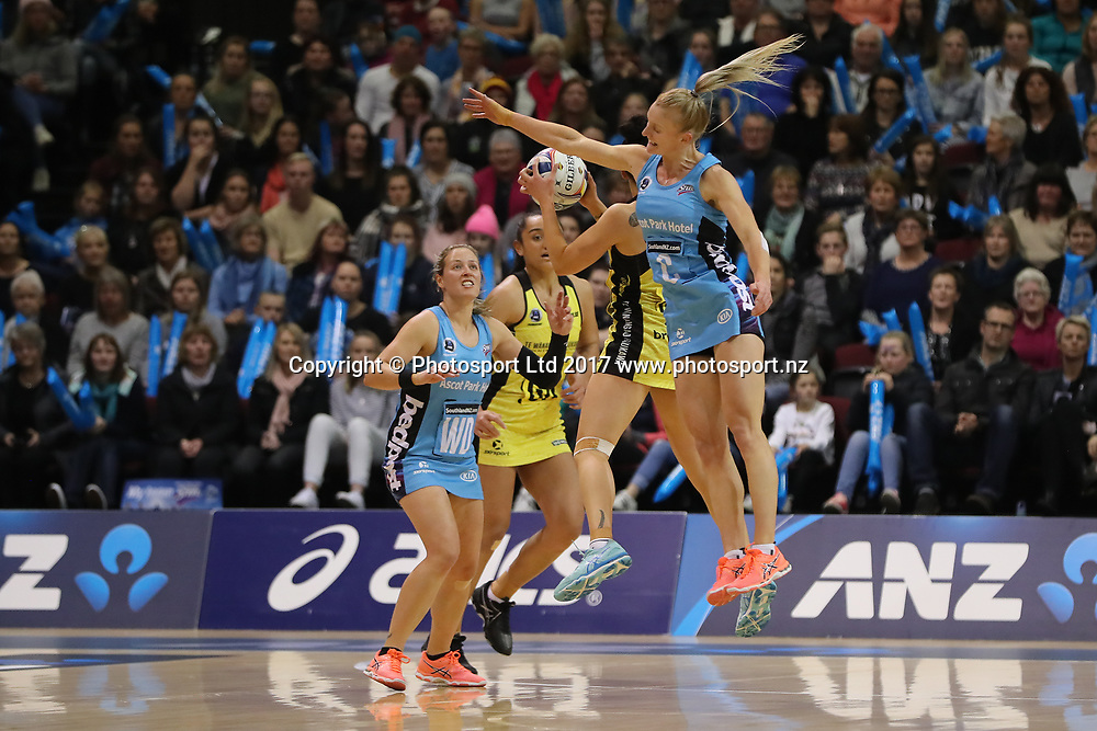 Shannon Francois of the Steel, right, competes for the ball  during the ANZ Premiership Final, Steel v Pulse, ILT Stadium Southland, Invercargill, Wednesday 28 June 2017. © Copyright Photo: Adam Binns / www.Photosport.nz