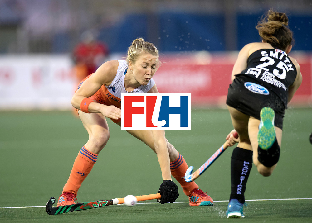 AUCKLAND - Sentinel Hockey World League final women<br /> Match id 10292<br /> 02 NED v NZL (Pool A)<br /> Foto:  Stop Laura Nunnink.<br /> WORLDSPORTPICS COPYRIGHT FRANK UIJLENBROEK