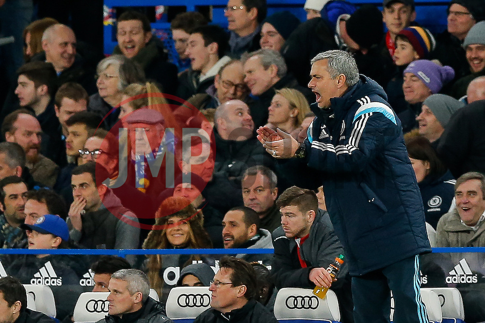 Chelsea Manager Jose Mourinho urges oin his side during extra time - Photo mandatory by-line: Rogan Thomson/JMP - 07966 386802 - 27/01/2015 - SPORT - FOOTBALL - London, England - Stamford Bridge - Chelsea v Liverpool - Capital One Cup Semi-Final Second Leg.