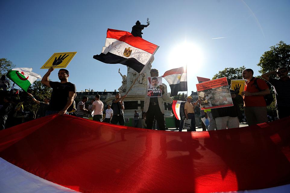 Manifestation contre le coup d'état militaire en Egypte, le 03 septembre place de la République.