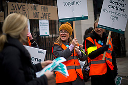 © Licensed to London News Pictures. 12/01/2016. London, UK. Junior doctors on the Picket line at St Mary's Hospital in Paddington, West London. Thousand of doctors across England have gone on strike in a dispute with the government over a new contract. Photo credit: Ben Cawthra/LNP