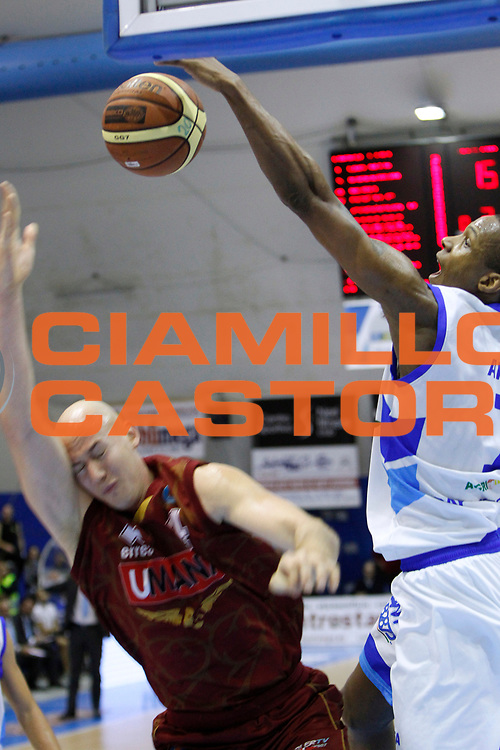 DESCRIZIONE : Capo dOrlando Lega A 2014-15 Orlandina Basket Umana Reyer Venezia<br /> GIOCATORE : DOMINIQUE ARCHIE<br /> CATEGORIA : STOPPATA<br /> SQUADRA : Orlandina Basket<br /> EVENTO : Campionato Lega A 2014-2015 <br /> GARA : Orlandina Basket Umana Reyer Venezia<br /> DATA : 11/01/2015<br /> SPORT : Pallacanestro <br /> AUTORE : Agenzia Ciamillo-Castoria/G.Pappalardo<br /> Galleria : Lega Basket A 2014-2015<br /> Fotonotizia : Capo dOrlando Lega A 2014-15 Orlandina Basket Umana Reyer Venezia
