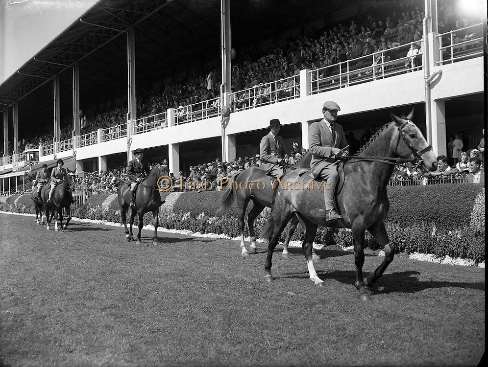 The Irish Photo Archive team wishes all visitors of the USA V Ireland International Polo Match a great experience and we want to let you know that we have taken brilliant photos of previous polo matches.