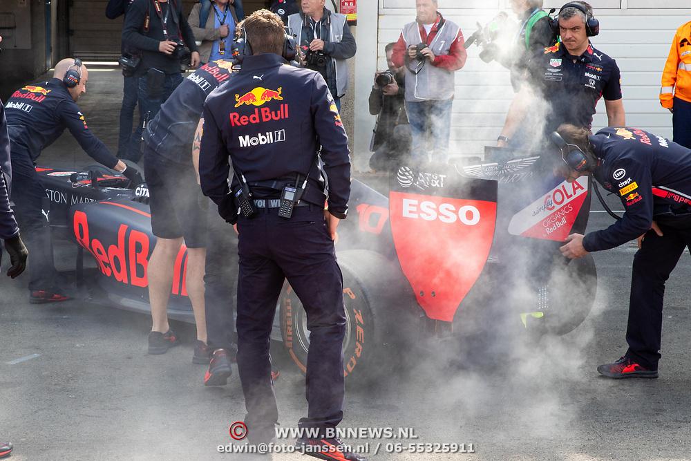NLD/Zandvoort/20190518 - Jumbo Racedagen 2019, brand in de wagen van Pierre Gasly