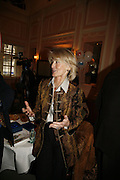 SANDRA HOWARD. Oldie magazine's Oldie of the Year Awards 2006. Simpson's. the Strand. London.21 March 2006.  ONE TIME USE ONLY - DO NOT ARCHIVE  © Copyright Photograph by Dafydd Jones 66 Stockwell Park Rd. London SW9 0DA Tel 020 7733 0108 www.dafjones.com