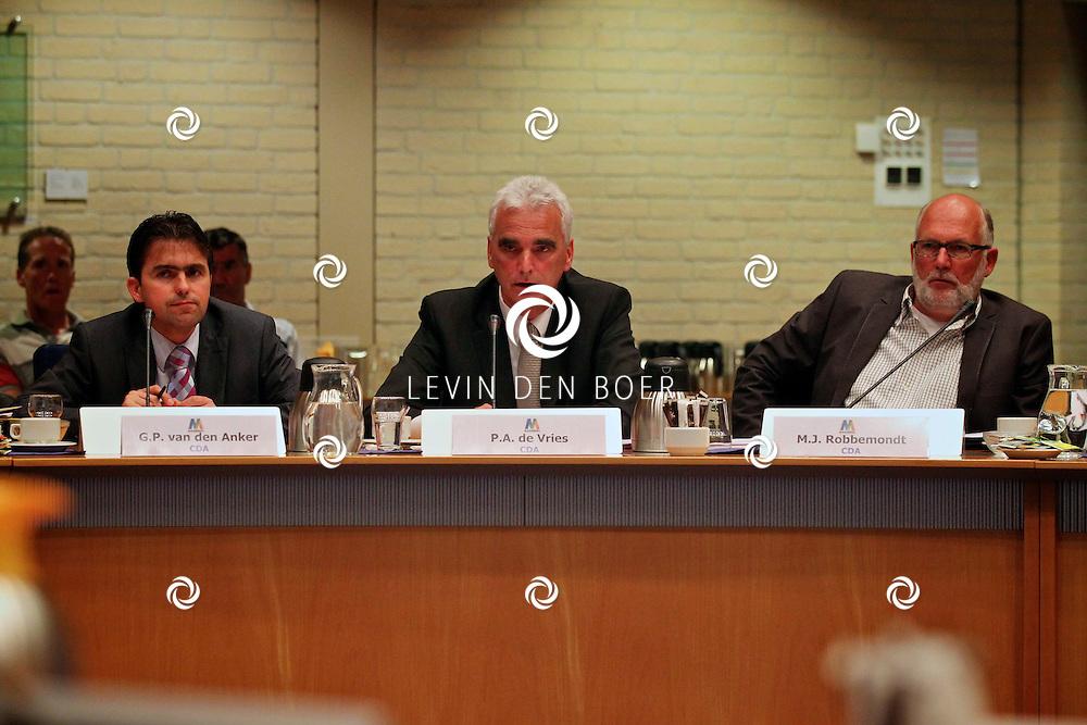 KERKDRIEL - In het gemeentehuis te Kerkdriel is de gemeenteraad weer flink met elkaar in discussie geraakt. De gemoederen liepen hoog op. FOTO LEVIN DEN BOER - PERSFOTO.NU