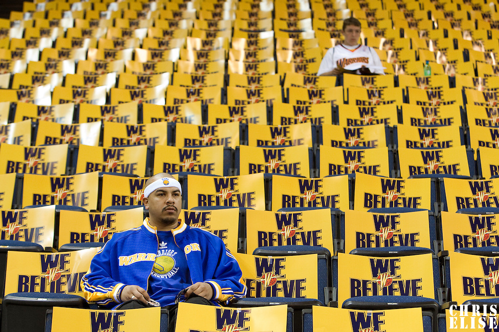 10 April 2008: Warriors fans are seen prior to the Denver Nuggets 114-105 victory over the Golden State Warriors at the Oracle Arena in Oakland, CA.