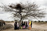 Howa Abdi Ahuria &ldquo;We need water and we need education. That will help the women here to become stronger. Mama (Sophia Abdi Noor) is the only one who knows this &ndash; the only one who cares. Therefore, I will vote for her. I will vote for her no matter who the men tells me to vote for.&rdquo;<br /> <br /> Sophia Abdi Noor p&aring; valgkampagne i landsbyen Gababa som ligger nord for Tana River, som har v&aelig;ret plaget af d&oslash;delige sammenst&oslash;d mellem pastoralister -som ofte er somaliske kenyanere og jorddyrkere langs med foden bred. Sammenst&oslash;dende har handlet om adgang til vandressurserne og gr&aelig;sning af pastoralisternes f&aring;r og kv&aelig;g p&aring; den frugtbare jord.