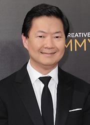 Ken Jeong bei den Creative Arts Emmy Awards in Los Angeles / 100916<br /> <br /> <br /> *** at the Creative Arts Emmy Awards in Los Angeles on September 10, 2016 ***