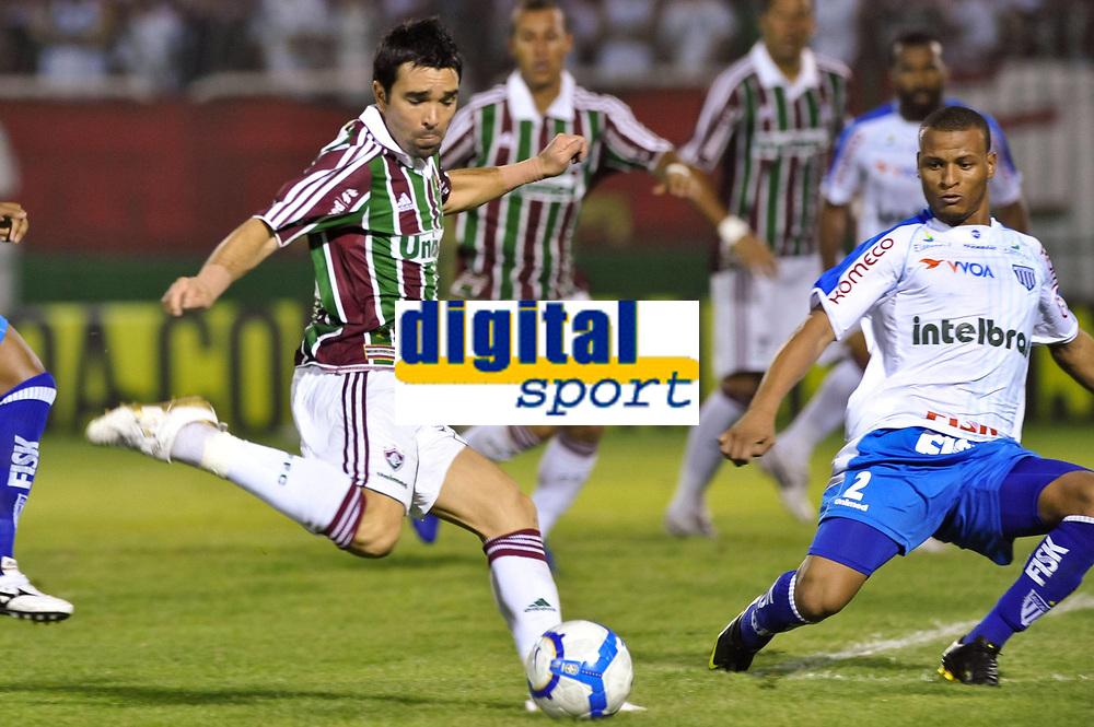 Fotball<br /> Brasil<br /> Foto: imago/Digitalsport<br /> NORWAY ONLY<br /> <br /> 29.09.2010<br /> Deco, Fluminense / Fluminense Rio de Janeiro vs Avai FC (weiß). Rio de Janeiro / RJ, Brasil <br /> <br /> BILDET INNGÅR IKKE I FASTAVTALENE