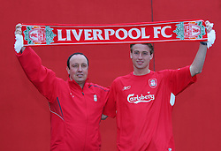 LIVERPOOL, ENGLAND - THURSDAY, JANUARY 5th, 2006: Liverpool's new signing Jan Kromkamp with manager Rafael Benitez at Melwood Training Ground. Jan Kromkamp switches from Villarreal with Josemi going to Spain. (Pic by David Rawcliffe/Propaganda)