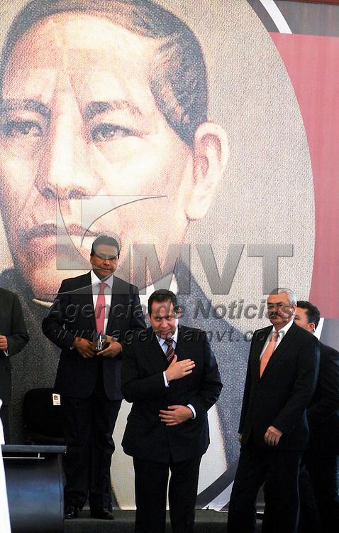 Toluca,  México.- Eruviel Ávila Villegas, gobernador del Estado de México encabezo la celebración del CCVII aniversario del natalicio de Benito Juárez.  Agencia MVT / José Hernández