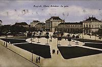 Zagreb : Glavni kolodvor = La Gare. <br /> <br /> ImpresumZagreb : Naklada S. Marković, [1927].<br /> Materijalni opis1 razglednica : tisak ; 8,8 x 13,7 cm.<br /> NakladnikNaklada S. Marković<br /> Mjesto izdavanjaZagreb<br /> Vrstavizualna građa • razglednice<br /> ZbirkaZbirka razglednica • Grafička zbirka NSK<br /> Formatimage/jpeg<br /> PredmetZagreb –– Trg kralja Tomislava<br /> SignaturaRZG-TOM-46<br /> Obuhvat(vremenski)20. stoljeće<br /> NapomenaRazglednica je putovala 1927.<br /> PravaJavno dobro<br /> Identifikatori000953697<br /> NBN.HRNBN: urn:nbn:hr:238:039317 <br /> <br /> Izvor: Digitalne zbirke Nacionalne i sveučilišne knjižnice u Zagrebu