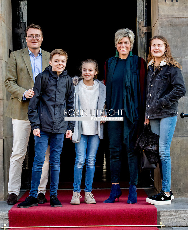 4-2-2018 AMSTERDAM - Departure of  Prince Constantijn, Princess Laurentien, Countess Eloise, Count Claus-Casimir and Countess Leonore   at the Royal Palace on Dam Square for the birthday reception of Princess Beatrix. The princess celebrates her 80th birthday in private. ROBIN UTRECHT