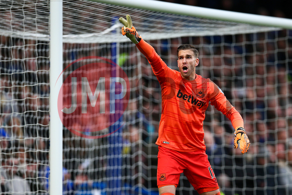 Adrian of West Ham United shouts to his defence - Mandatory byline: Jason Brown/JMP - 19/03/2016 - FOOTBALL - London, Stamford Bridge - Chelsea v West Ham United - Barclays Premier League