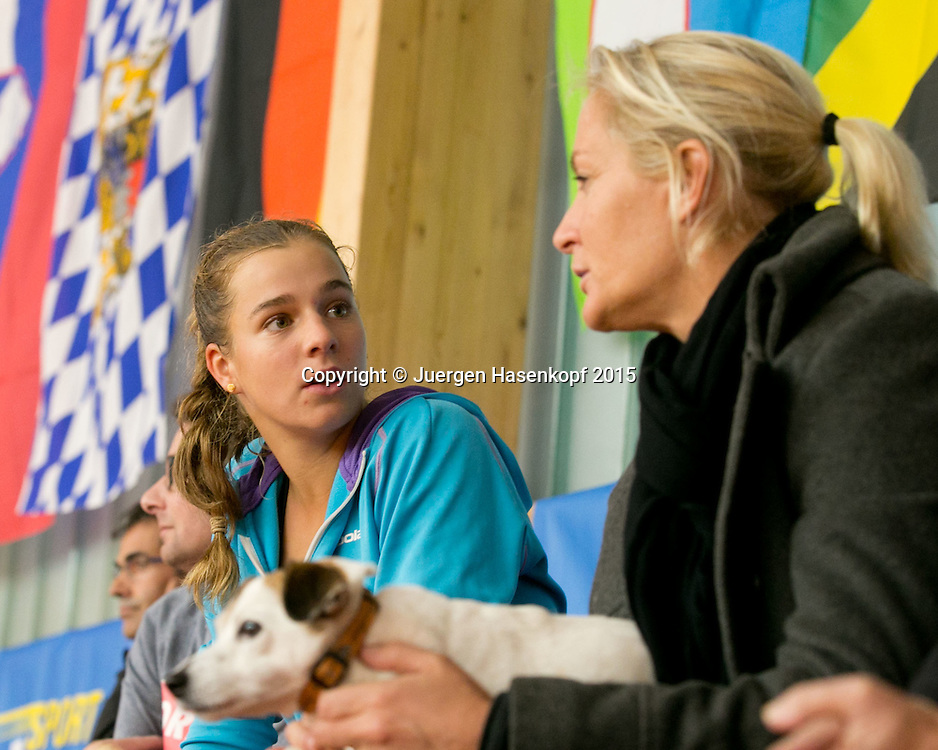 Irina Cantos Siemers (GER) und Fed Cup Chefin Barbara Rittner<br /> <br /> Tennis - Ismaning Open 2015 - ITF 10.000 -  TC Ismaning - Ismaning - Bavaria - Germany - 28 October 2015. <br /> &copy; Juergen Hasenkopf