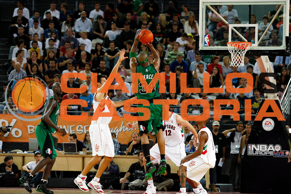 DESCRIZIONE : Roma Nba Europe Live Tour 2007 Toronto Raptors Boston Celtics <br /> GIOCATORE : Paul Pierce<br /> SQUADRA : Boston Celtics<br /> EVENTO : Nba Europe Live Tour 2007<br /> GARA : Toronto Raptors Boston Celtics<br /> DATA : 06/10/2007<br /> CATEGORIA : Tiro<br /> SPORT : Pallacanestro<br /> AUTORE : Agenzia Ciamillo-Castoria/G.Cottini