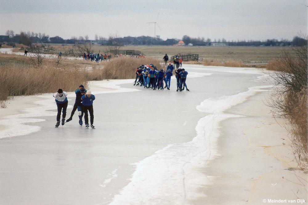 Friese Elfstedentocht op 4 januari 1997. De Ried van Harlingen richting Franeker (langs Sexbierum)