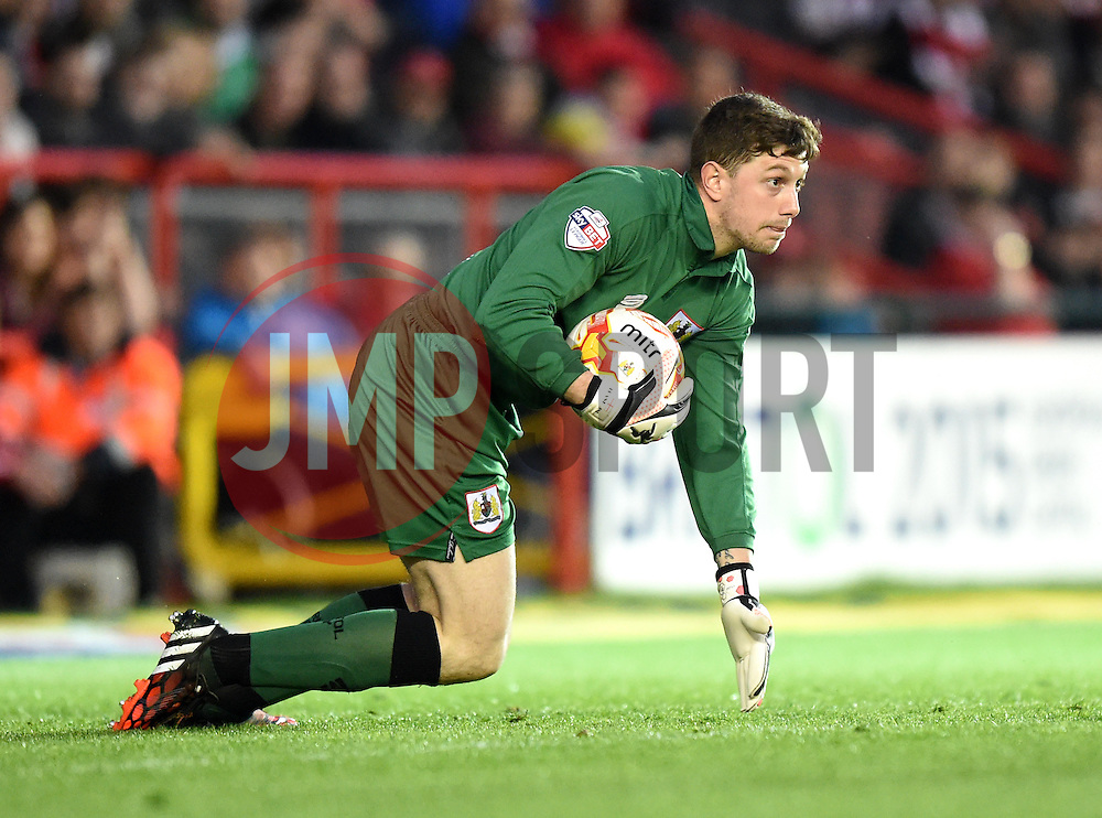 Bristol City goalkeeper, Frank Fielding in action during the Sky Bet League One match between Bristol City and Swindon Town at Ashton Gate on 8 April 2015 in Bristol, England - Photo mandatory by-line: Paul Knight/JMP - Mobile: 07966 386802 - 07/04/2015 - SPORT - Football - Bristol - Ashton Gate Stadium - Bristol City v Swindon Town - Sky Bet League One