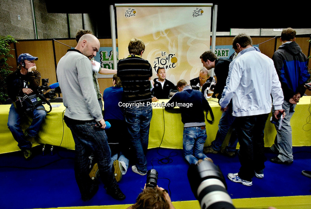 Brest., Frankrike, 20080604:  Thor Hushovd dagen før Tour de France starter i Brest. Pressekonferanse...Foto: Daniel Sannum Lauten/Dagbladet