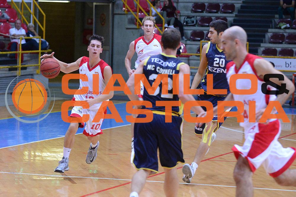 DESCRIZIONE : Verona Lega Basket A2 ottavi di finale qualificazioni final four eurobet 2012-13 Tezenis Verona Acegas Trieste <br /> GIOCATORE : michele ruzzier<br /> CATEGORIA :  palleggio<br /> SQUADRA : Tezenis Verona Acegas Trieste <br /> EVENTO : Lega Basket A2 ottavi di finale qualificazioni final four eurobet 2012-13 <br /> GARA : Tezenis Verona Acegas Trieste <br /> DATA : 27/09/2012<br /> SPORT : Pallacanestro <br /> AUTORE : Agenzia Ciamillo-Castoria/M.Gregolin<br /> Galleria : Lega Basket A2 2012-2013 <br /> Fotonotizia : Verona Lega Basket A2 ottavi di finale qualificazioni final four eurobet 2012-13 Tezenis Verona Acegas Trieste <br /> Predefinita :
