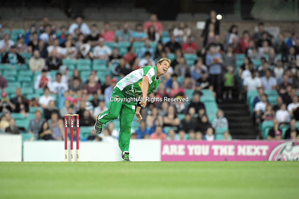 27.12.2011 Sydney, Australia. Melbourne Stars bowler Shane Warne in action during the KFC T20 Big Bash League game between the Sydney Sixers  and the Melbourne Stars at the Sydney Cricket Ground.