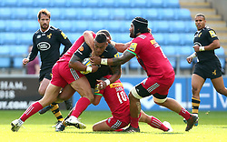 Nathan Hughes of Wasps is tackled - Mandatory by-line: Robbie Stephenson/JMP - 17/09/2017 - RUGBY - Ricoh Arena - Coventry, England - Wasps v Harlequins - Aviva Premiership