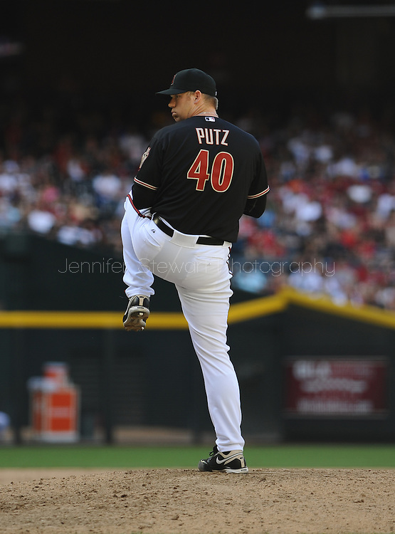Apr. 7, 2012; Phoenix, AZ, USA; Arizona Diamondbacks pitcher J.J. Putz (40) pitches against the San Francisco Giants during the ninth inning at Chase Field.  The Diamondbacks defeated the Giants 5-4. Mandatory Credit: Jennifer Stewart-US PRESSWIRE.