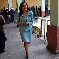 Toluca, Mex.- Ana Lilia Herrera Anzaldo, diputada del PRI, a la salida de la firma de convenio de colaboración entre la Universidad Autónoma del Estado de México (UAEM) y la LVI Legislatura, a través de la Comisión Legislativa de Equidad y Género. Agencia MVT / Alfonso García. (DIGITAL)<br /> <br /> <br /> <br /> NO ARCHIVAR - NO ARCHIVE