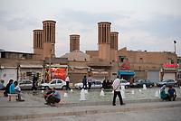 Iran, Yazd, 02.09.2016: Strassenszene in Yazd, Provinz Yazd, Zentral-Iran.