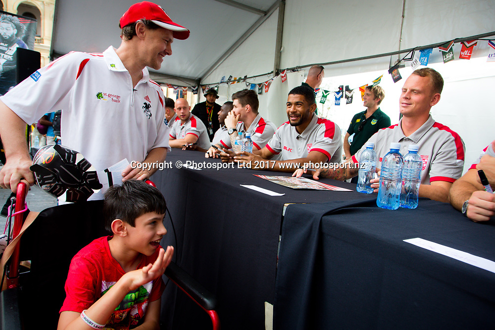 Rugby League World Cup. England Fan Day. Kevin Brown  with fans Cale Murray and son Aidan (front). Brisbane, Australia. 28 Nov 2017. Copyright photo: Patrick Hamilton / www.photosport.nz