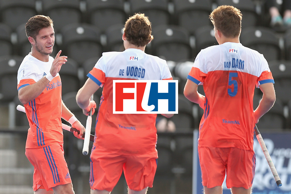 LONDON, ENGLAND - JUNE 15: Robbert Kemperman of the Netherlands celebrates scoring his sides fourth goal with Bob de Voogd of the Netherlands and Thijs van Dam of the Netherlands during the Hero Hockey World League Semi Final match between Netherlands and Pakistan at Lee Valley Hockey and Tennis Centre on June 15, 2017 in London, England.  (Photo by Alex Morton/Getty Images)