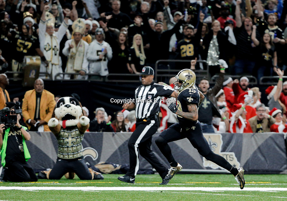 Dec 24, 2017; New Orleans, LA, USA; New Orleans Saints wide receiver Ted Ginn (19) scores a touchdown against the Atlanta Falcons during the second quarter at the Mercedes-Benz Superdome. Mandatory Credit: Derick E. Hingle-USA TODAY Sports