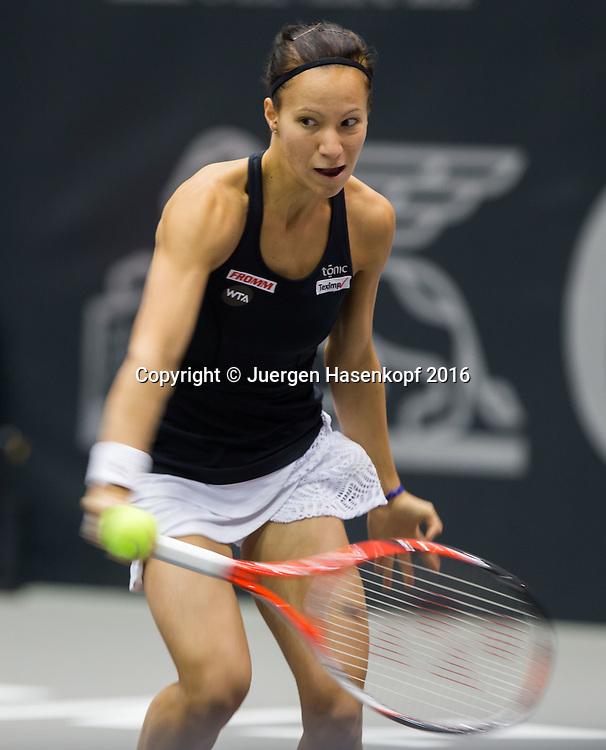 VIKTORIJA GOLUBIC (SUI),Mitzieher,Bewegungsunschaerfe,<br /> <br /> <br /> <br /> Tennis - Ladies Linz 2016 - WTA -  TipsArena  - Linz - Oberoesterreich - Oesterreich - 13 October 2016. <br /> &copy; Juergen Hasenkopf