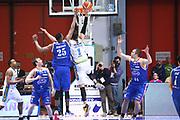 DESCRIZIONE : Cremona Lega A 2015-2016 Vanoli Cremona Acqua Vitasnella Cantu<br /> GIOCATORE : Nikola Dragovic<br /> SQUADRA : Vanoli Cremona<br /> EVENTO : Campionato Lega A 2015-2016<br /> GARA : Vanoli Cremona Acqua Vitasnella Cantu<br /> DATA : 03/04/2016<br /> CATEGORIA : Schiacciata Controcampo<br /> SPORT : Pallacanestro<br /> AUTORE : Agenzia Ciamillo-Castoria/F.Zovadelli<br /> GALLERIA : Lega Basket A 2015-2016<br /> FOTONOTIZIA : Cremona Campionato Italiano Lega A 2015-16  Vanoli Cremona Acqua Vitasnella Cantu<br /> PREDEFINITA : <br /> F Zovadelli/Ciamillo
