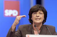 18 NOV 2003, BOCHUM/GERMANY:<br /> Ulla Schmidt, SPD, Bundesgesundheitsministerin, haelt eine Rede, SPD Bundesparteitag, Ruhr-Congress-Zentrum<br /> IMAGE: 20031119-01-023<br /> KEYWORDS: Parteitag, party congress, SPD-Bundesparteitag, speech