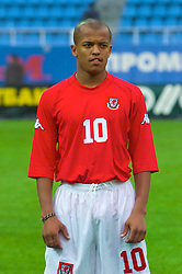 KIEV, UKRAINE - Tuesday, June 5, 2001: Wales' Robert Earnshaw lines-up before the Under-21 World Cup Qualifying match against Ukraine at the Dynamo Stadium. (Pic by David Rawcliffe/Propaganda)