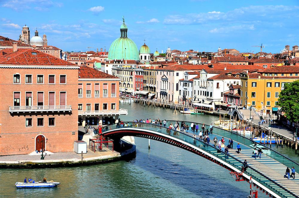 Ponte della Costituzione at Piazzale Roma in Venice, Italy ...