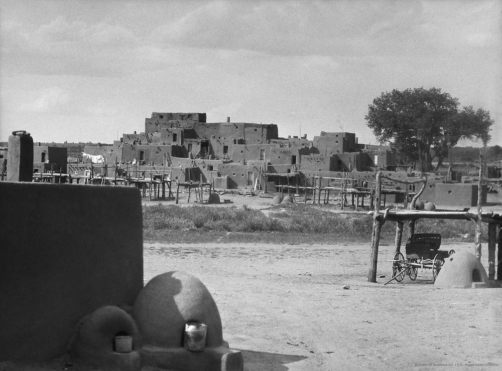 Homes of Pueblo Indians, Taos, New Mexico, USA, 1926