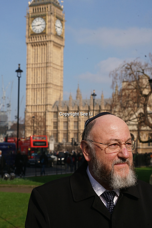 London,England,uk, 24th March 2017, Speaker Jewish faith leader vigil for the victims of the terror attacks at Westminster Abbey,London,UK. by See Li