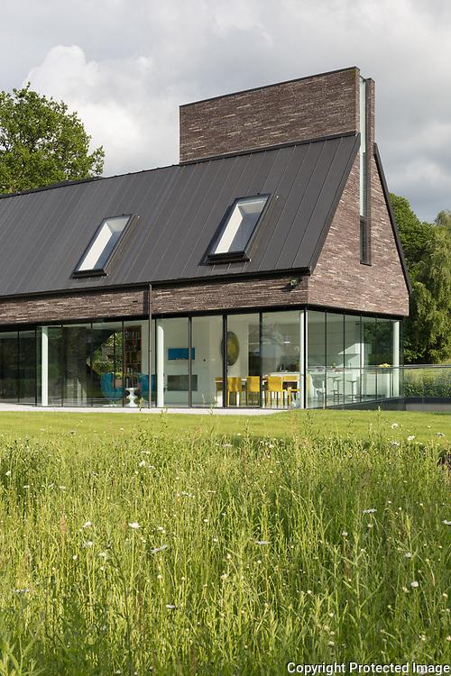 Water End House, Hertfordshire, 2017. Architect: Kirkland Fraser Moor.
