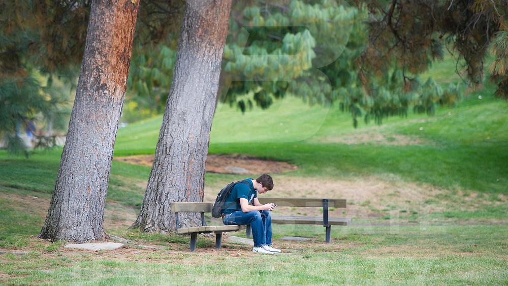 campus scenes, fall, students, John Kelly photo