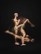 Freestyle Yogasequenz aus Berg, Variation Handstand und Variation Liegestütz