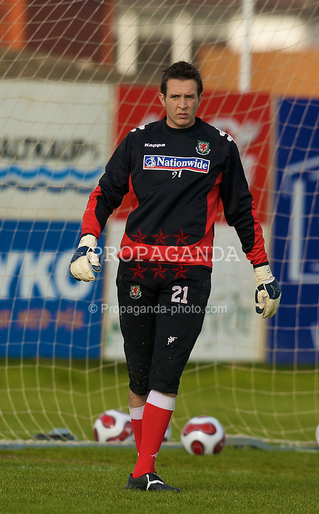 KEFLAVIK, ICELAND - Tuesday, May 27, 2008: Wales' goalkeeper Lewis Price training at the Njardvik training ground in Keflavik ahead of the international friendly match against Iceland. (Photo by David Rawcliffe/Propaganda)
