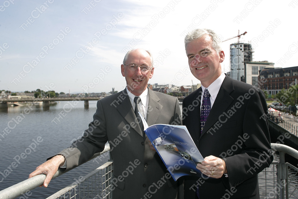 Pictured at the Launch of the Shannon Development Company's Annual Report for 2004 in the Clarion Hotel Limerick were: Mr Liam McKlligot, Chairman Shannon Development and Mr Kevin Thompstone, Chief Executive, Shannon Development.<br />